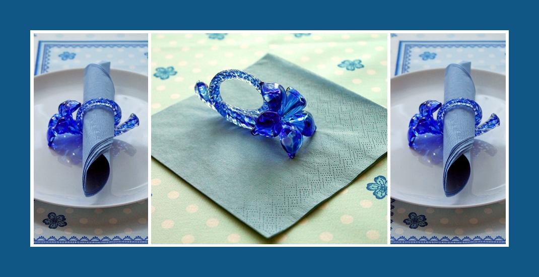 Servietten falten Rolle mit Serviettenring Blau 2