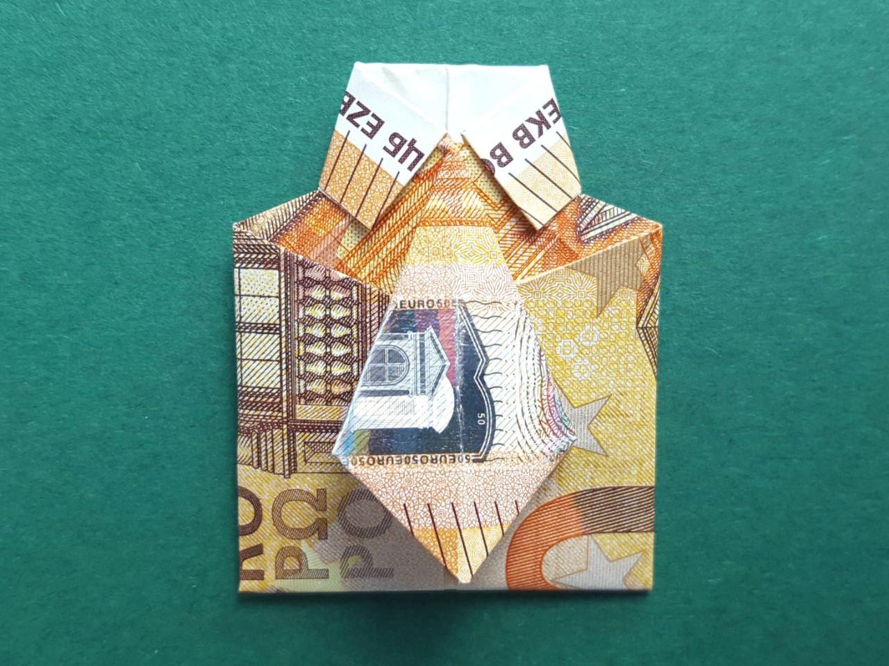 Geldscheine falten Hemd