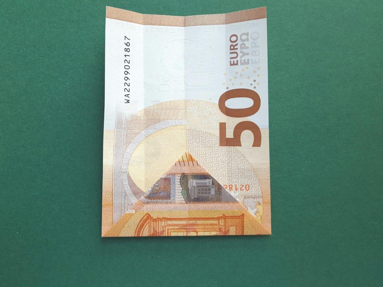 50 Euro Geldschein falten Schritt 6